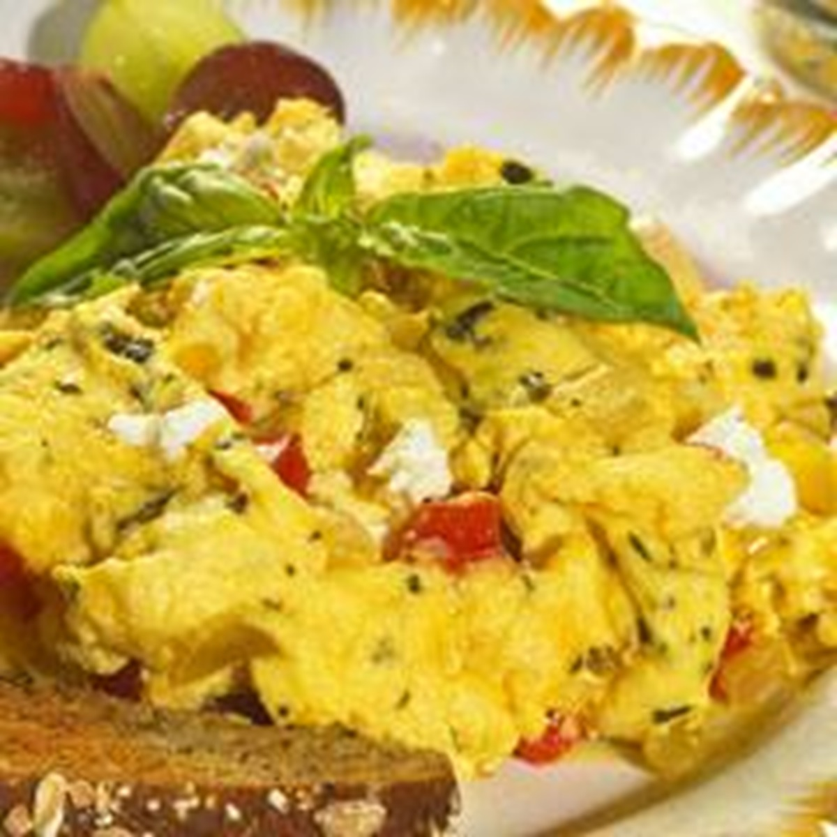 recipe image Cheesy Mediterranean Scramble
