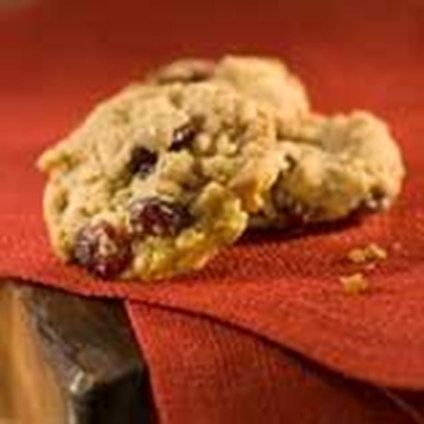 recipe image Crispy Oatmeal and Cranberry Cookies