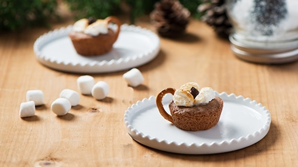recipe image Hot Chocolate Cookie Cups