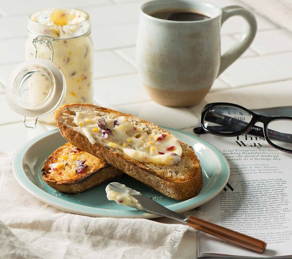 recipe image Honey Spread with Cranberry & Orange