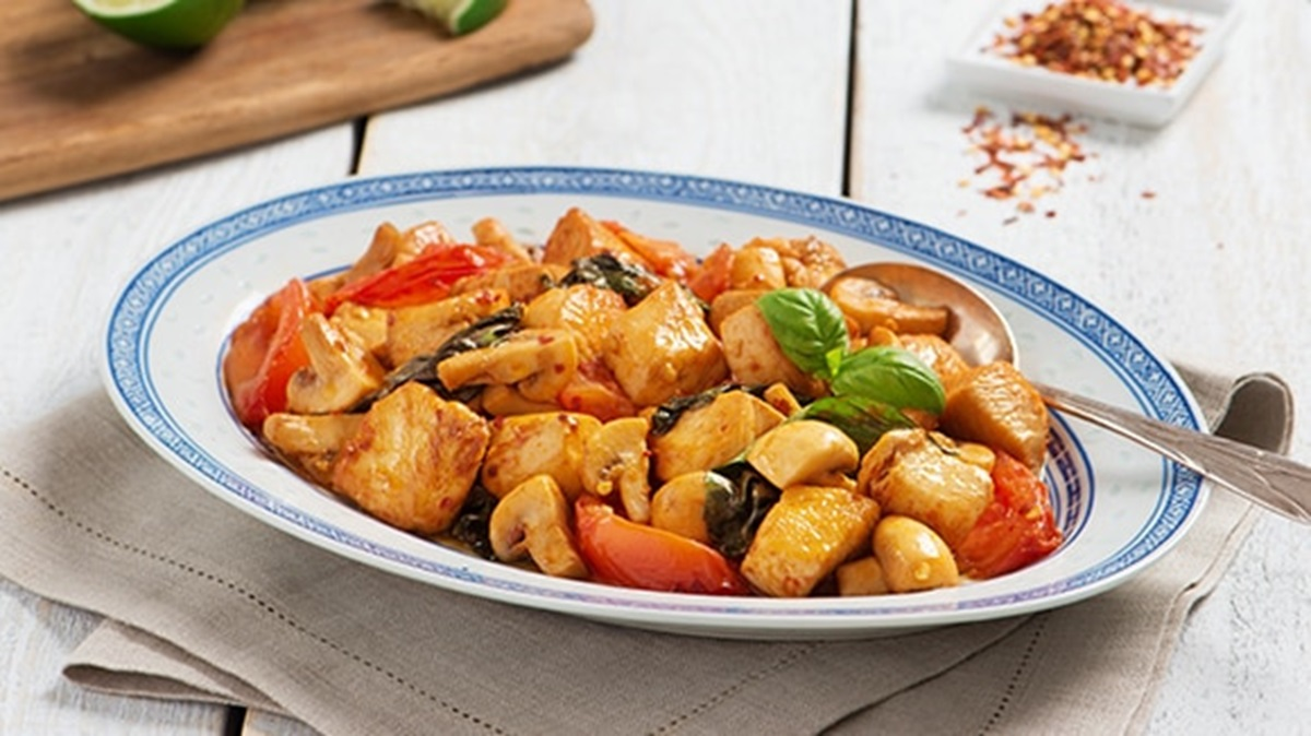 recipe image Thai Chicken with Tomatoes & Basil