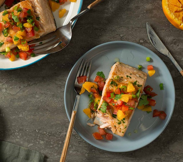 recipe image Grilled Salmon with Citrus-Tomato Salsa