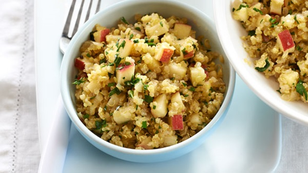recipe image Apple-Curry Quinoa Salad