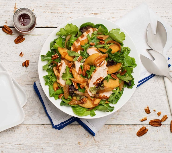 recipe image Grilled Chicken Salad with Caramelized Apples