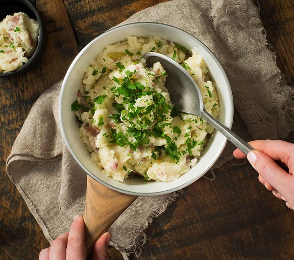 recipe image Garlic Parsley Mashed Potatoes