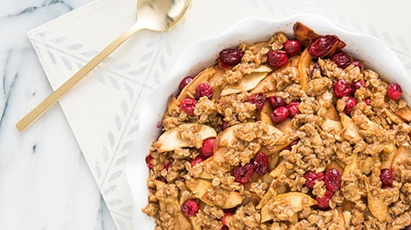 recipe image Apple Crisp with Cranberry and Pear