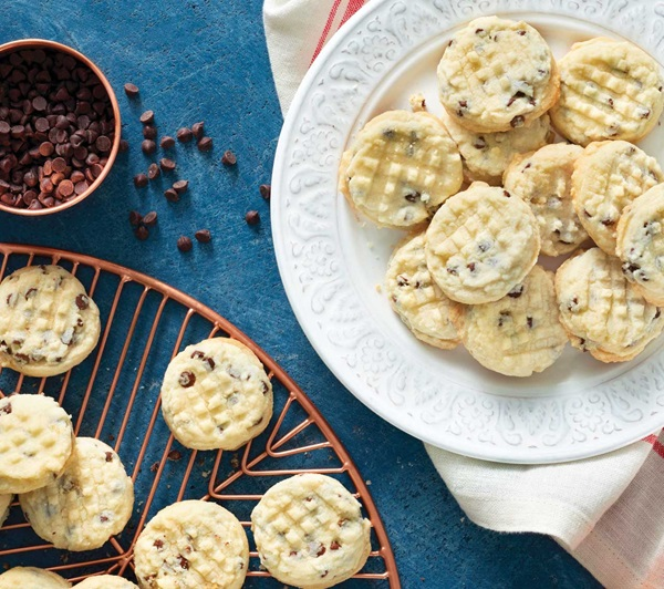 recipe image Mini Chocolate Chip Shortbread