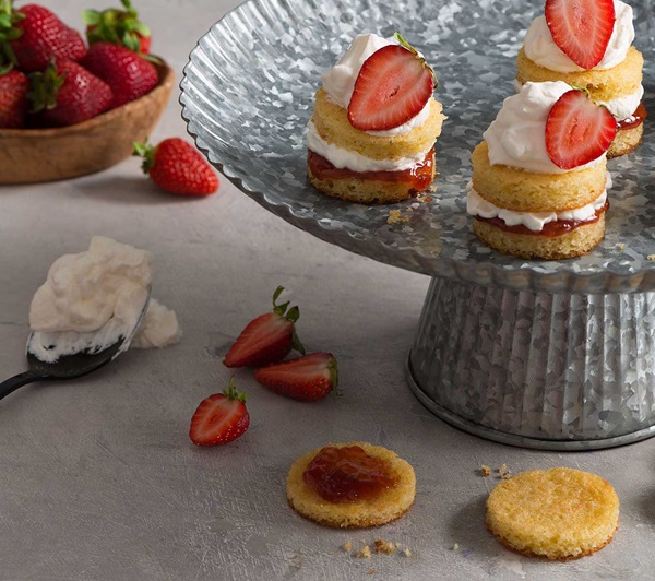 recipe image Mini Strawberry Shortcakes